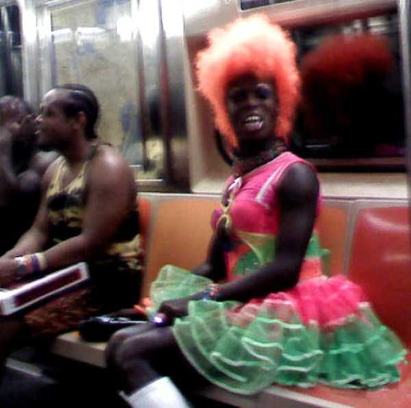 wtf-people-on-the-subway (1)