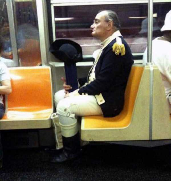 wtf-people-on-the-subway (17)