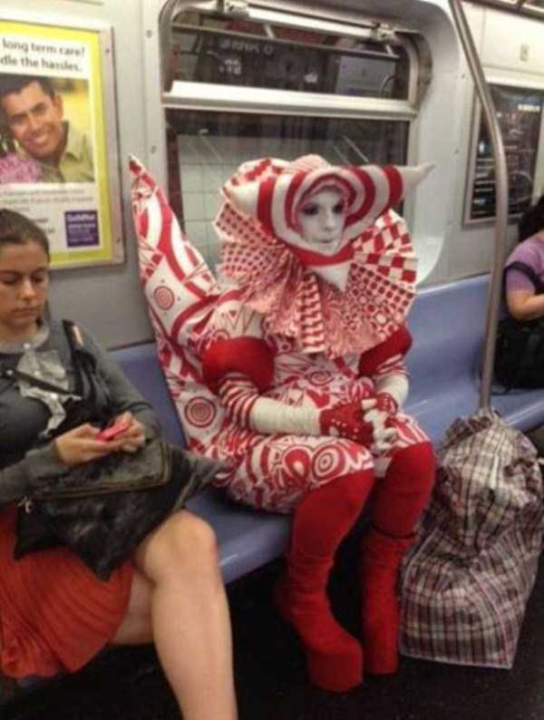 wtf-people-on-the-subway (22)