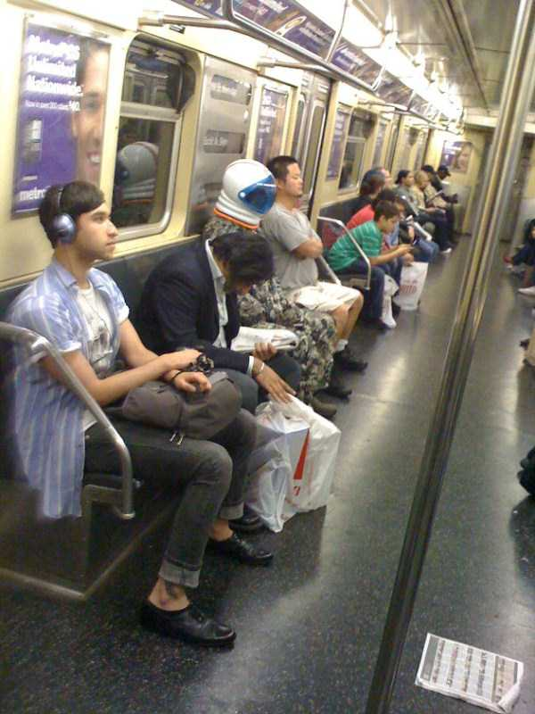 wtf-people-on-the-subway (23)