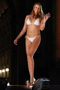 Babezilla is the World's Tallest Female Fashion Model (27 photos) 13
