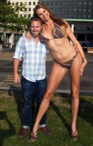Babezilla is the World's Tallest Female Fashion Model (27 photos) 7