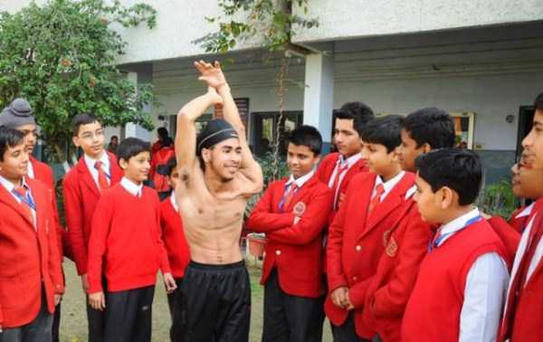 Jaspreet-Singh-Kalra-rubber-boy (1)