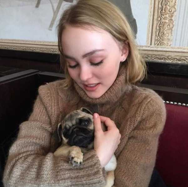Lily-Rose-Melody-Depp (4)