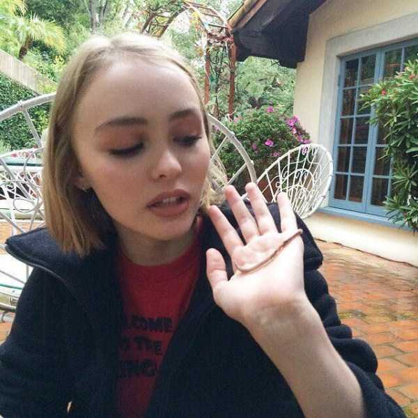 Lily-Rose-Melody-Depp (9)