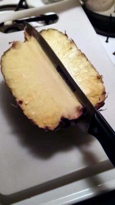 How to Properly Cut Up a Pineapple (10 photos) 3