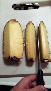 How to Properly Cut Up a Pineapple (10 photos) 7