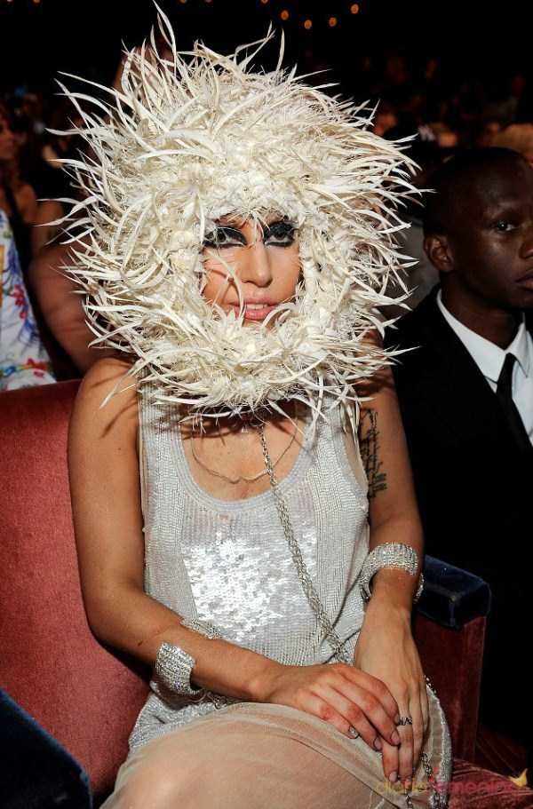 bizarre-photos-of-lady-gaga (12)
