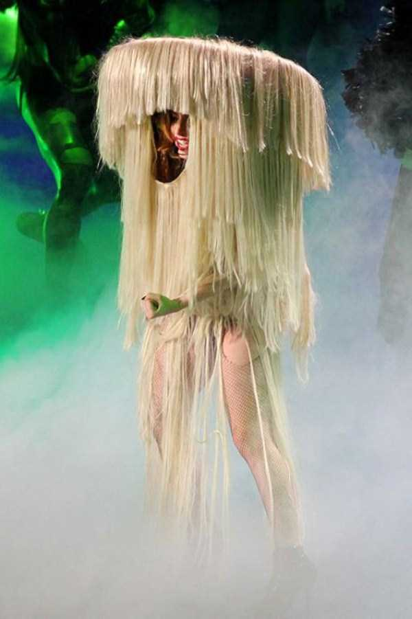 bizarre-photos-of-lady-gaga (17)