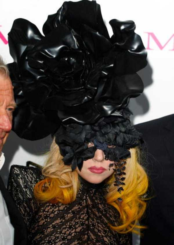 bizarre-photos-of-lady-gaga (29)