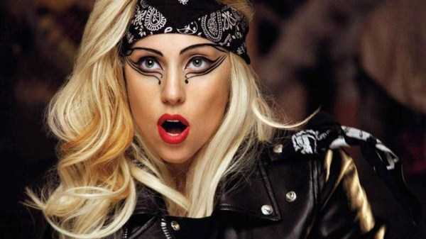 bizarre-photos-of-lady-gaga (31)