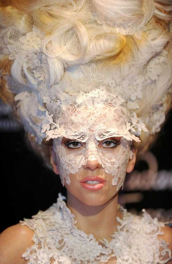 bizarre-photos-of-lady-gaga (48)