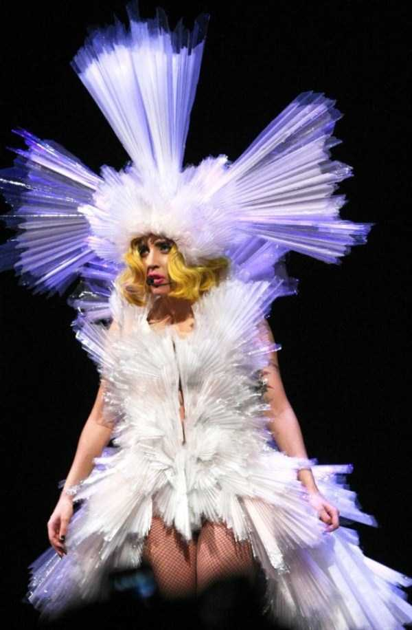 bizarre-photos-of-lady-gaga (5)