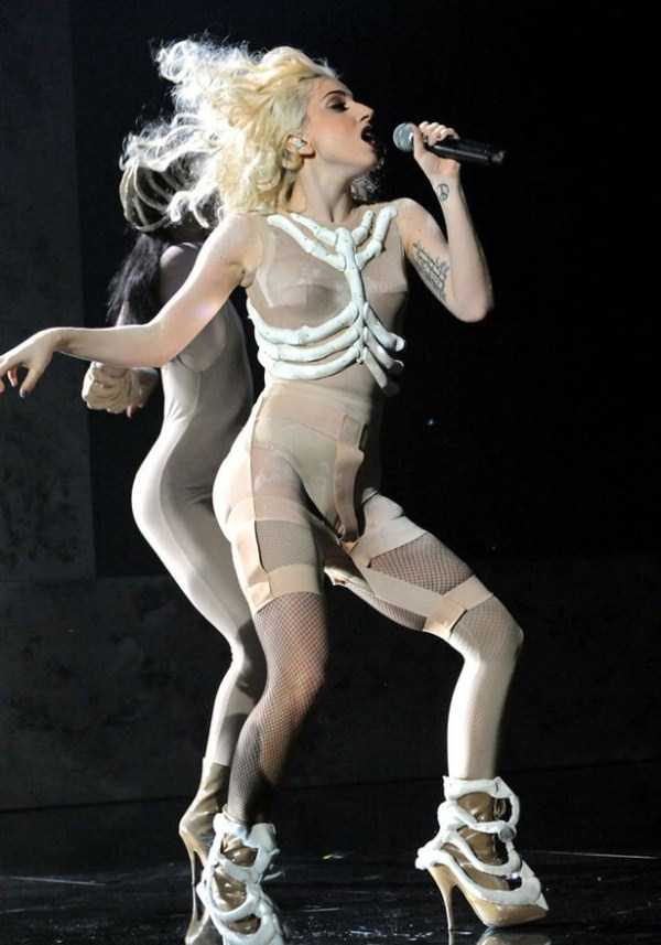 bizarre-photos-of-lady-gaga (6)