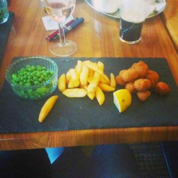 bizzare-way-to-serve-food-in-restaurant (12)