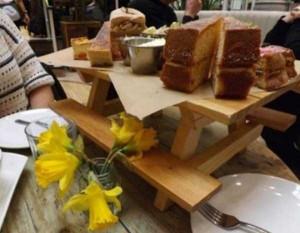 Ridiculous Ways of Serving Meals in Restaurants (22 photos) 4