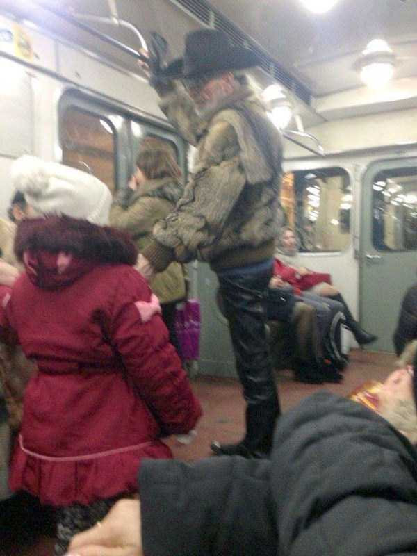 crazy-subway-fashion-in-russia (12)