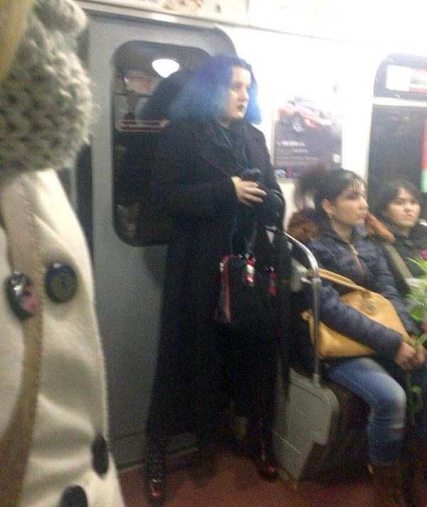 crazy-subway-fashion-in-russia (22)