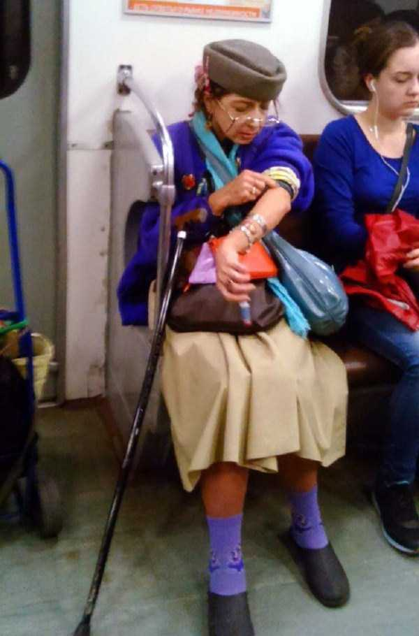 crazy-subway-fashion-in-russia (23)