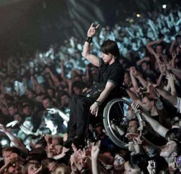 crazy-things-seen-at-concerts (37)