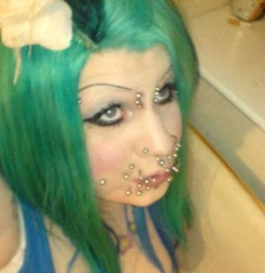 Why Did She Do This to Herself? (25 photos) 15