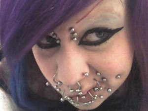 Why Did She Do This to Herself? (25 photos) 19