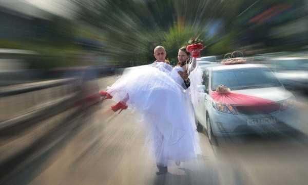 horrible-russian-wedding-photos (21)