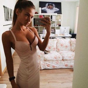 Hotties in Tight Dresses are a Feast for the Eyes (47 photos) 29
