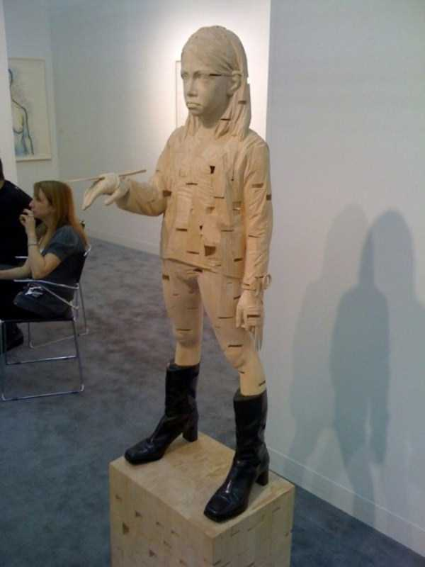 human-shaped-wood-sculptures (24)