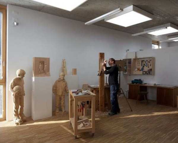 human-shaped-wood-sculptures (3)