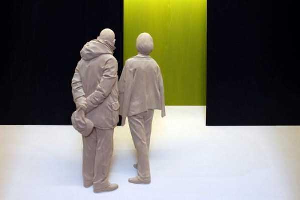 human-shaped-wood-sculptures (8)