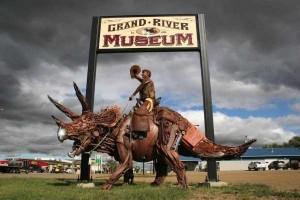 Stunning Life-Sized Animal Sculptures Made From Scrap Metal (24 photos) 10