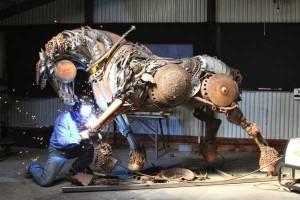 Stunning Life-Sized Animal Sculptures Made From Scrap Metal (24 photos) 2