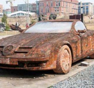 Mercedes Benz Made of Bricks (6 photos)