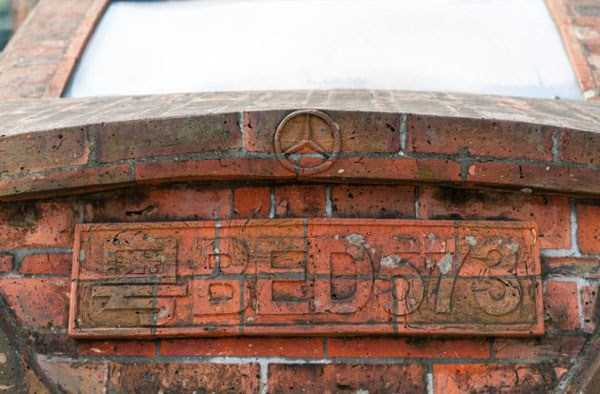 mercedes-benz-made-of-bricks (4)