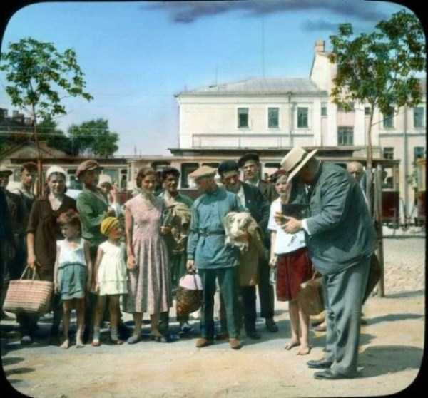 old-photos-of-1931-moscow-in-color (17)