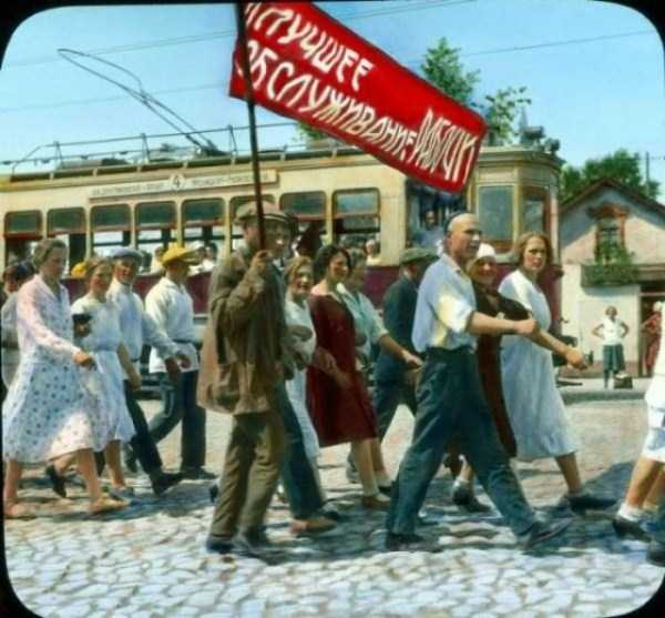 old-photos-of-1931-moscow-in-color (22)