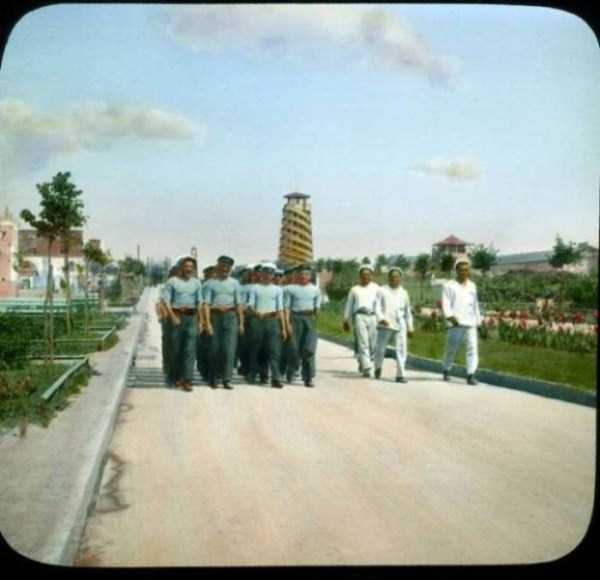 old-photos-of-1931-moscow-in-color (27)
