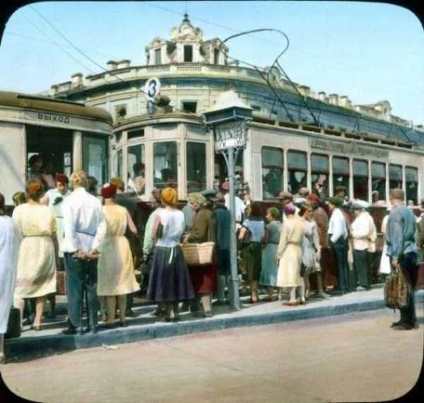 old-photos-of-1931-moscow-in-color (29)