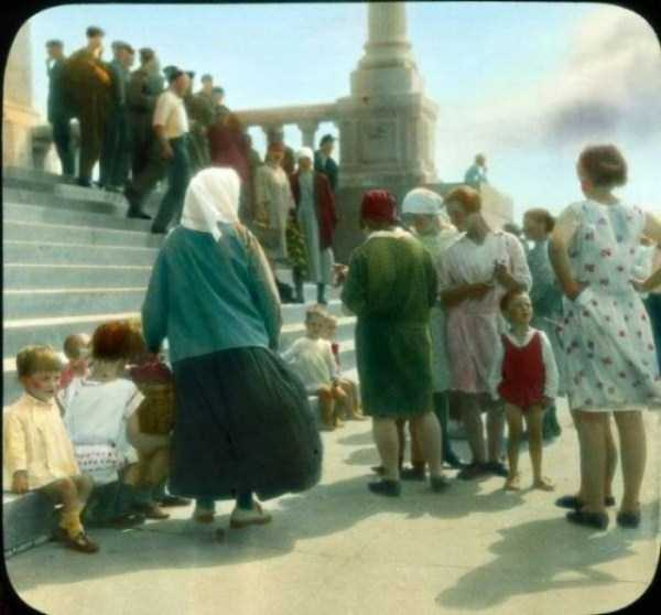 old-photos-of-1931-moscow-in-color (32)