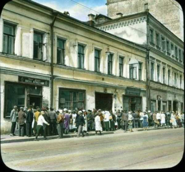 old-photos-of-1931-moscow-in-color (44)