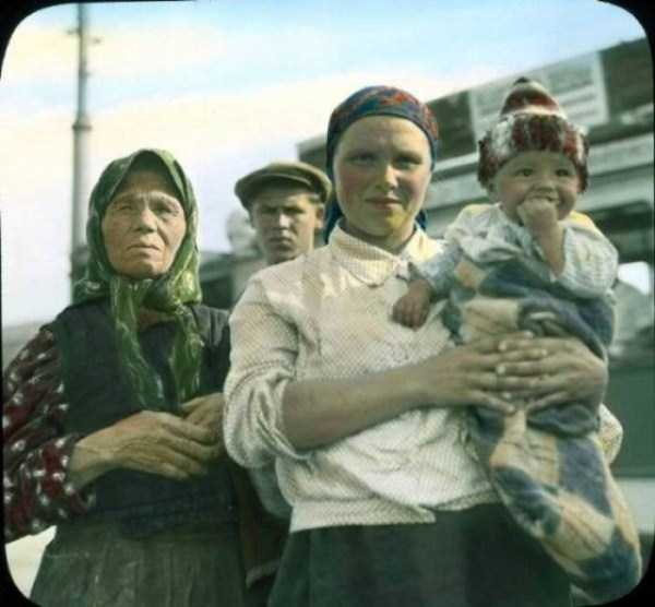 old-photos-of-1931-moscow-in-color (5)