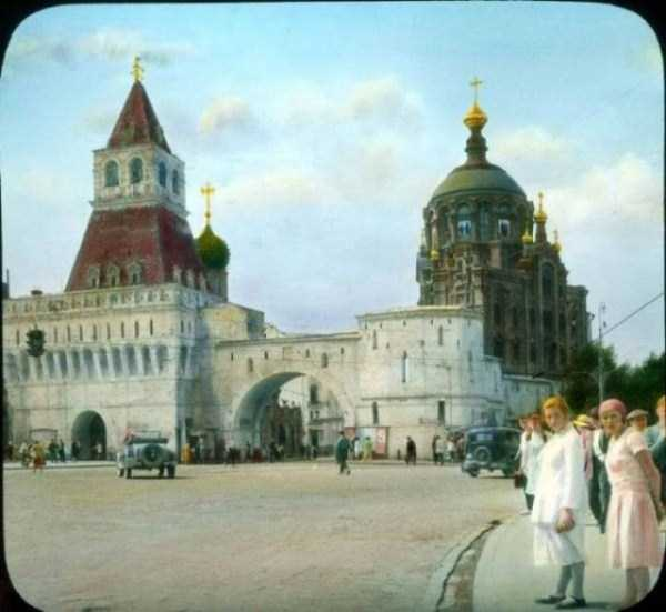 old-photos-of-1931-moscow-in-color (56)