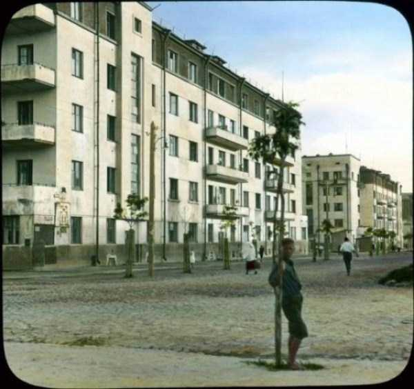 old-photos-of-1931-moscow-in-color (62)