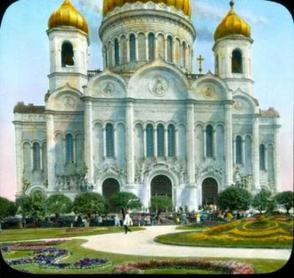 old-photos-of-1931-moscow-in-color (71)
