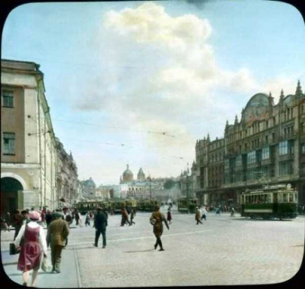 old-photos-of-1931-moscow-in-color (72)