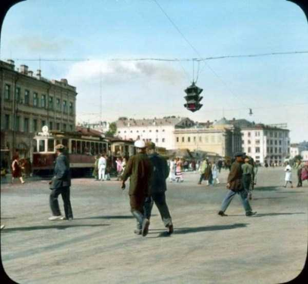old-photos-of-1931-moscow-in-color (75)