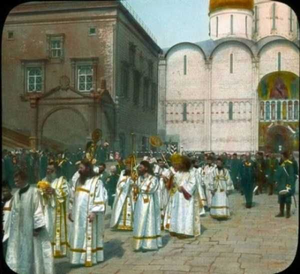 old-photos-of-1931-moscow-in-color (76)