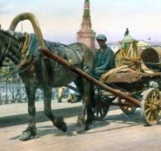 Colorized Vintage Photos of 1931 Moscow (77 photos)