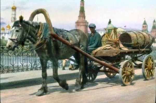 Colorized Vintage Photos of 1931 Moscow (77 photos) 78